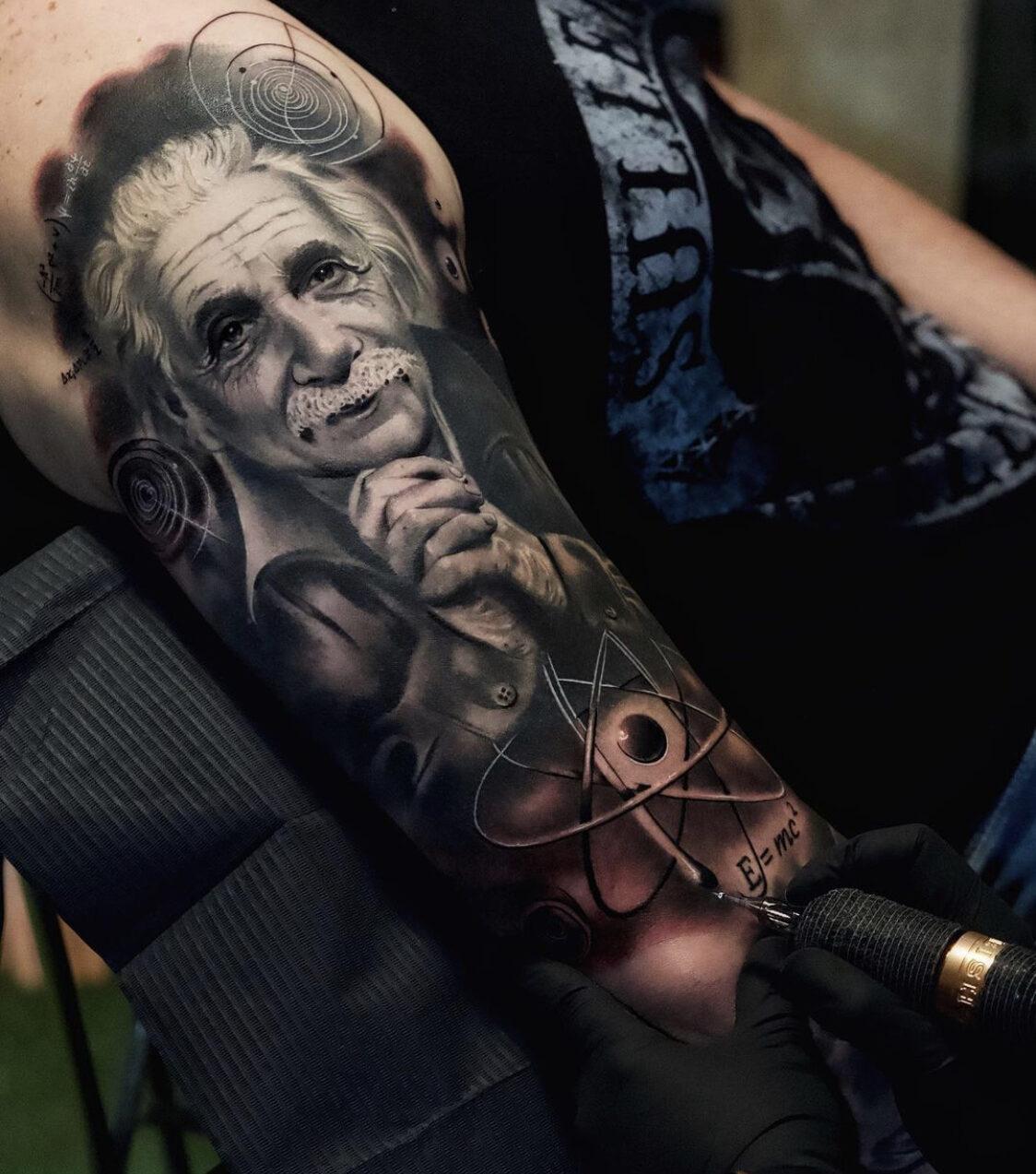 Alex Bruz, Elite Tattoo Studio, Caracas, Venezuela