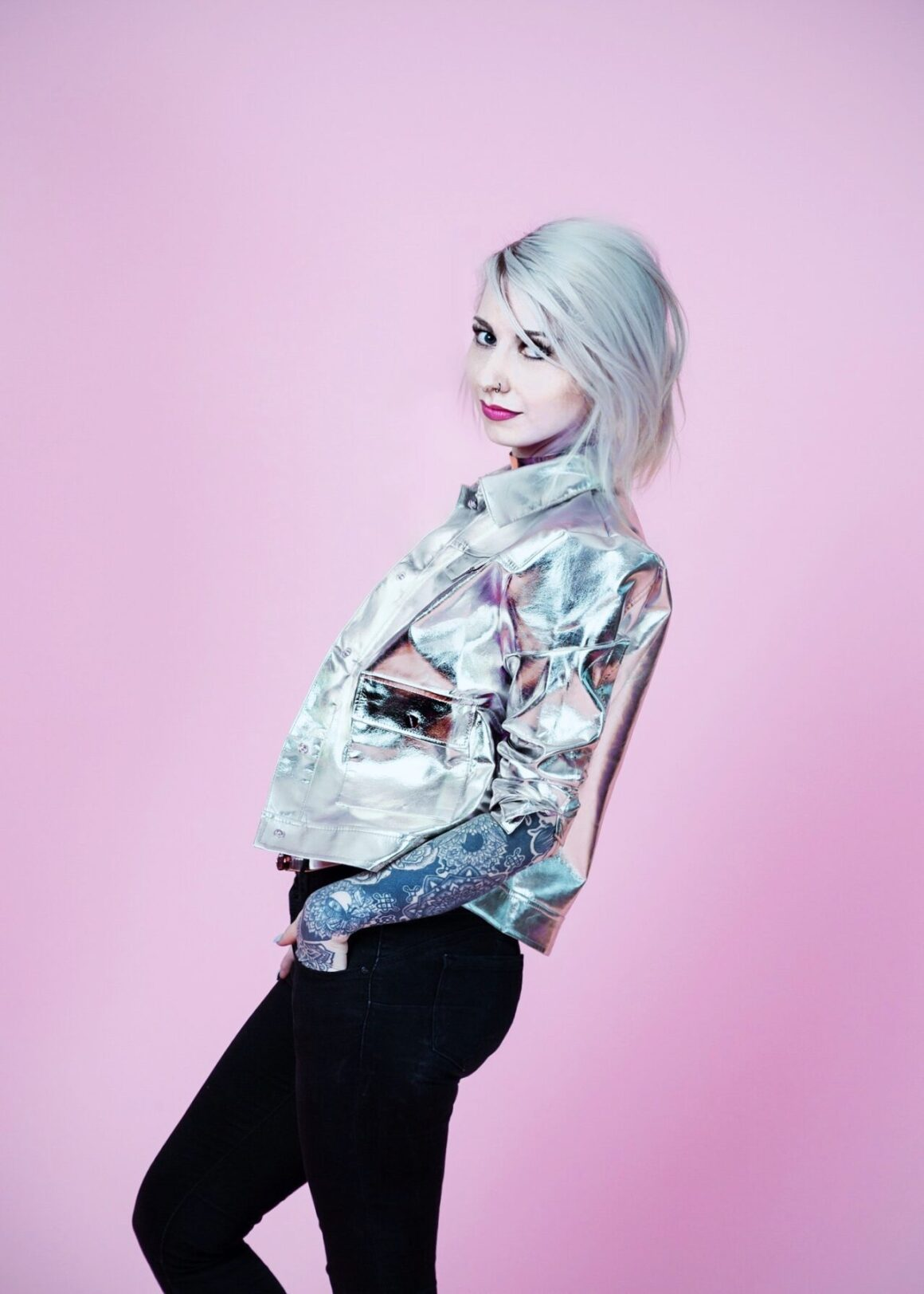 Jessica Svartvit, tattoo model