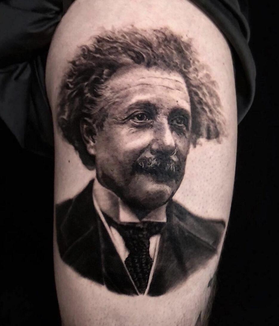 Kari Barba, Outer Limits Tattoo, Long Beach, USA