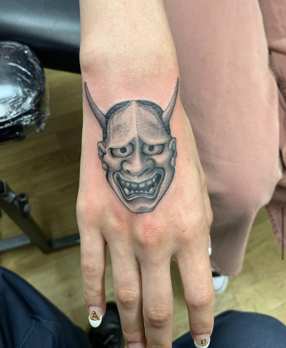 Oliver Macintosh, Frith Street Tattoo, London, UK