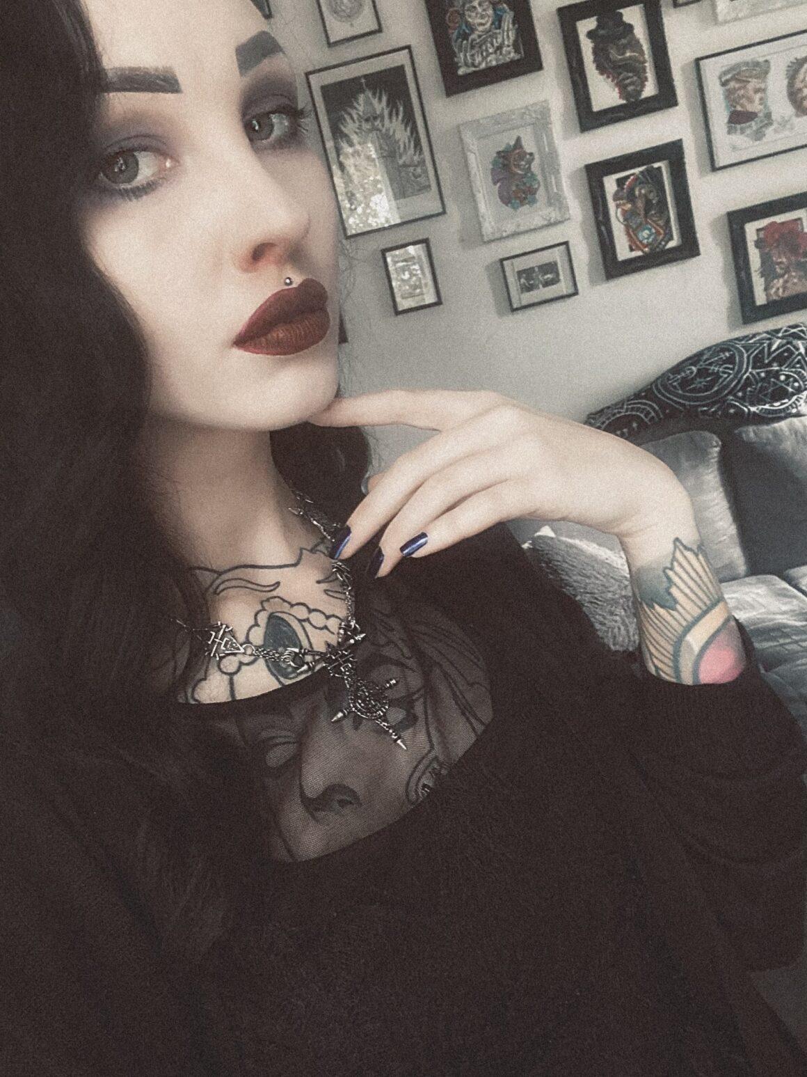 Iris, Tattoo model