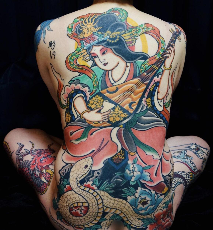 Tattoo by Shion, @shion_irezumi