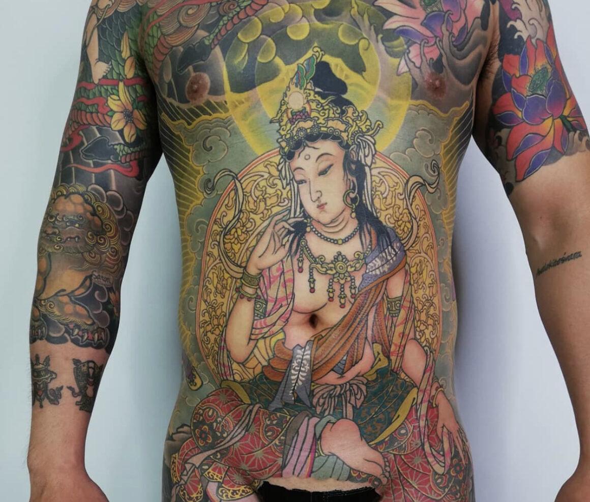 Tattoo by Tomo, @tomo_silkneedletattoo